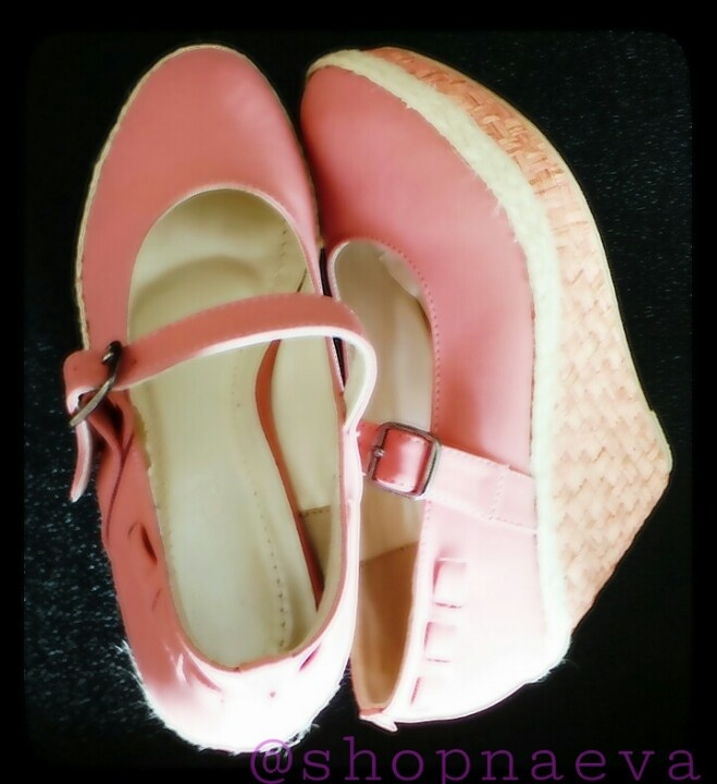 LAURA -  Mary-Jane wedges to walk in La-la land. Grab a cotton candy in matching colour too!