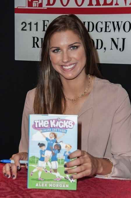 Because she's written a book to inspire young ladies. | 25 Reasons Why Alex Morgan Is The Perfect Lady
