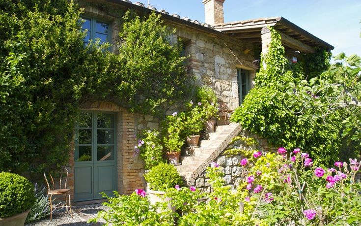 I could find a dumpy leftover in Lakeway and turn it into this!!!  Tricia Guild's Tuscan home: - Telegraph