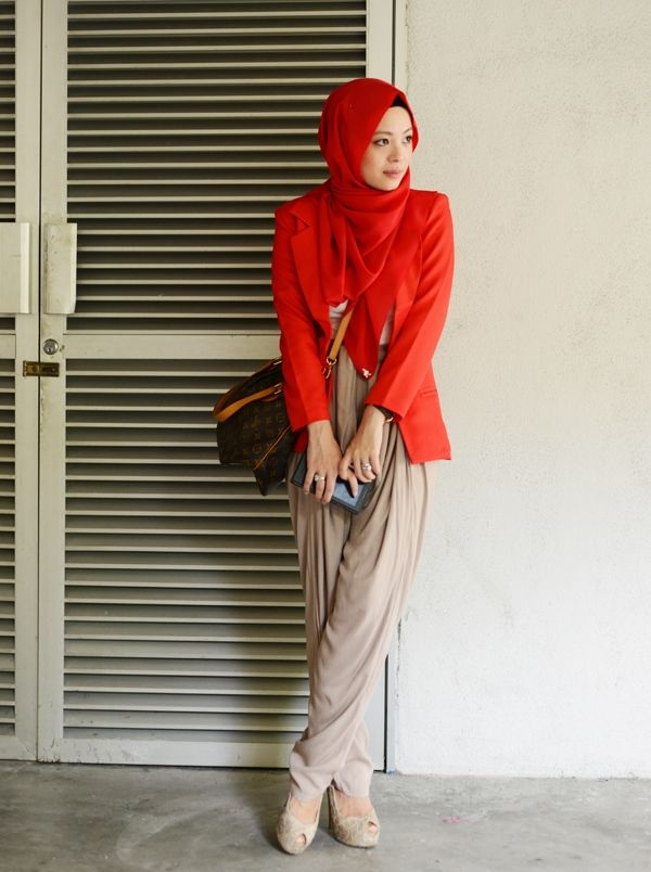 Chili Pepper // Vivy Yusof: http://www.proudduck.com/2014/06/chilli-pepper/ #fashion #elegant #brightcolors #red