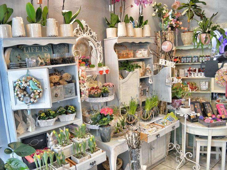 Best 25+ Flower shop interiors ideas on Pinterest ...