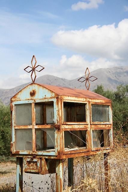 'Old mailbox.'