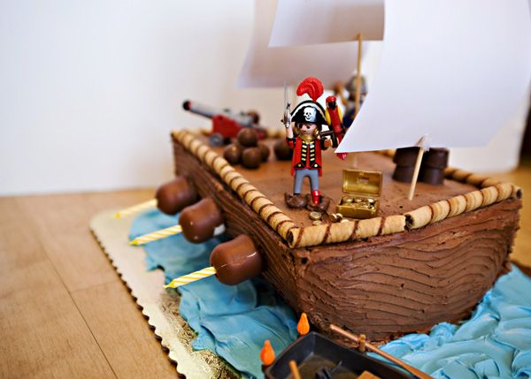 Pirate Ship Cake #kidfriendly #cake #party #birthday #dessert #craft #family