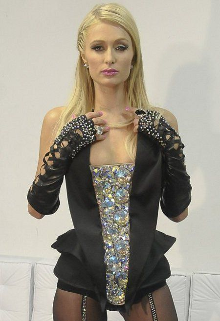 Paris Hilton Looking S... Nicole Richie Clothing