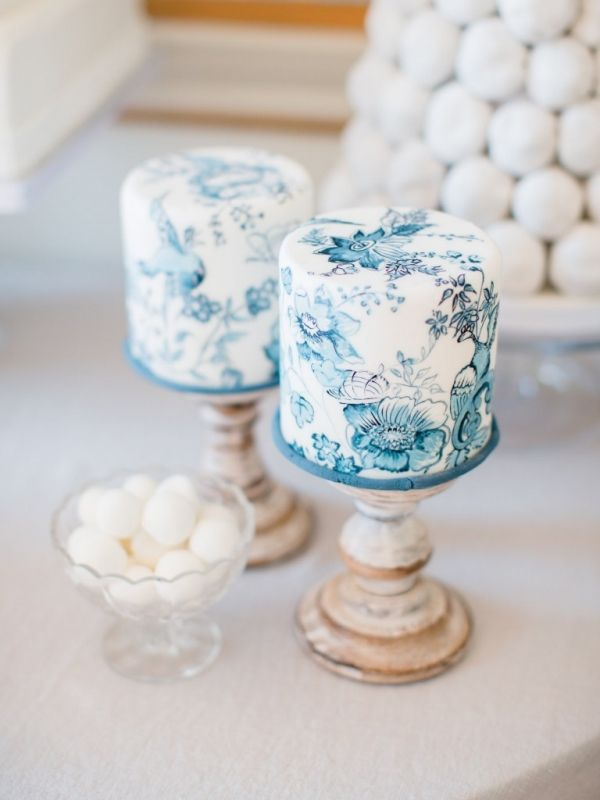 Single Tier Blue Handpainted Wedding Cakes | WOOKIE Photography on @blovedblog via @aislesociety