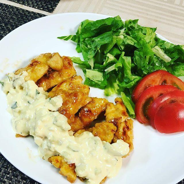 おはようございます☀ . #昨日の夜ごはん です🍴 #チキン南蛮 . #タルタルソース も作ったよ🎵 #ヨーグルト を使ってちょっとだけ#ヘルシー に😊 . #ディナー #夕食  #おうちごはん #dinner #homemade #cook #instafood #foodstagram #肉 #チキン #chicken