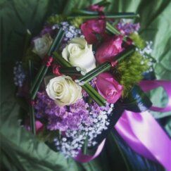 Bouquet da sposa Con Rose White Universe, Dianthus Verde, Dianthus Barbatus