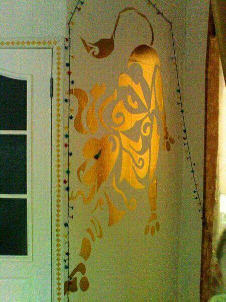 2009. Декор стены.
