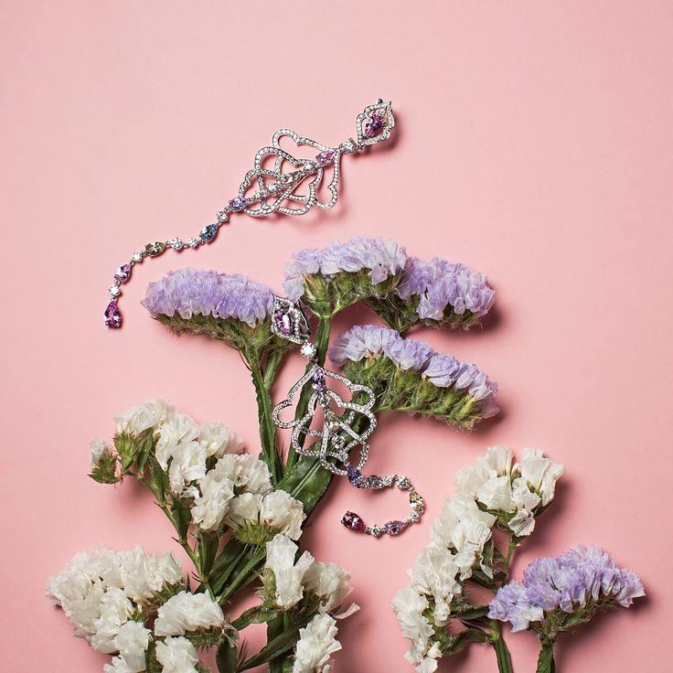 Лавандово-молочные краски природы в простых соцветиях и бриллиантовых серьгах  Красота в каждой грани лепестка!  #Серьги - 13 сапфиров, 392 бриллианта, белое #золото