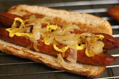 A friend just posted that he's craving a Chicago Dog but I prefer a Maxwell Street Polish!!
