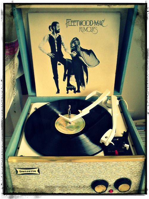 Fleetwood Mac Ahh to hear this on vinyl. Totally a dream of mine.