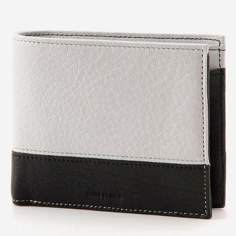 コムサ メン(COMME CA MEN)の財布(カイル 札入)。スタンダードな折財布ながら、カードを12枚収納できる機能性。[型番:0006764]
