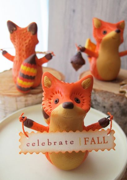 What does a Fox say? Anything you wish when you create your own Autumn Fox. Decorate your holiday table with this cute little critter to greet your Thanksgiving guests.