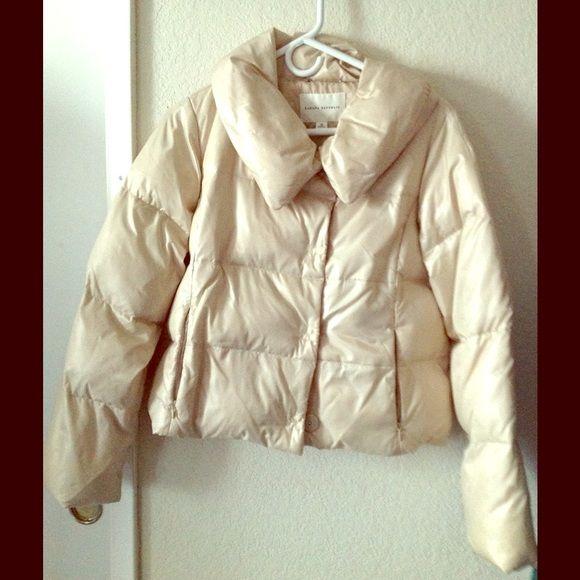 Ⓜ️ ($40) Banana Republic Puffy Jacket Good condition. Last button tends to be undone Banana Republic Jackets & Coats Puffers