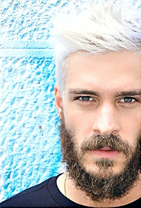 Platinum! I want to do thiz...  If only my beard could looked like that....