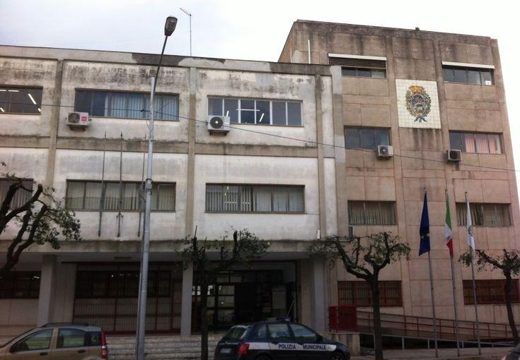 Il sindaco di Grottaglie bacchetta gli incivili e invita a segnalare i comportamenti scorretti e fuori legge