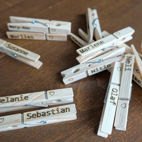 Beschriftete Wäscheklammern aus Holz.Eigene Motive sind möglich! Einige Motive…