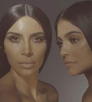 Ким Кардашьян и Кайли Дженнер вместе снялись в рекламе топлес