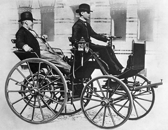 Daimler, Gottlieb: being driven through the streets of Berlin, 1886
