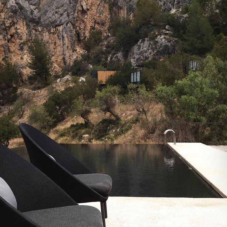La naturaleza el mejor escenario posible. Así lo muestra @expormim  en @vivoodhotels  un marco incomparable en la provincia de Alicante. #diseño #naturaleza #mobiliario #ESPdesign #levante #mediterraneo