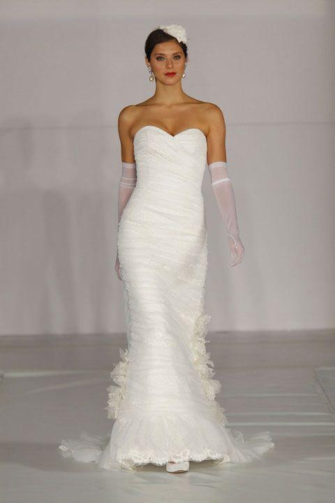 Fashionable sweetheart empire waist tulle wedding dress