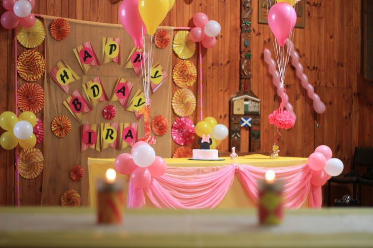 The theme of the decoration was Pink, Yellow and White. The venue did get a new life with the combination of these bright colours.