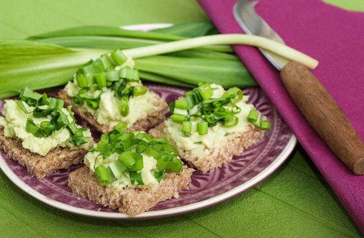 Zöldre zöld szendvics. http://kertkonyha.blog.hu/2016/04/14/zoldre_zold_szendvics