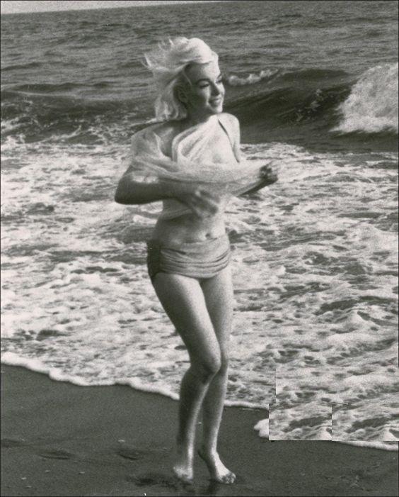 на каком пляже фоталась мерлин монро - 3