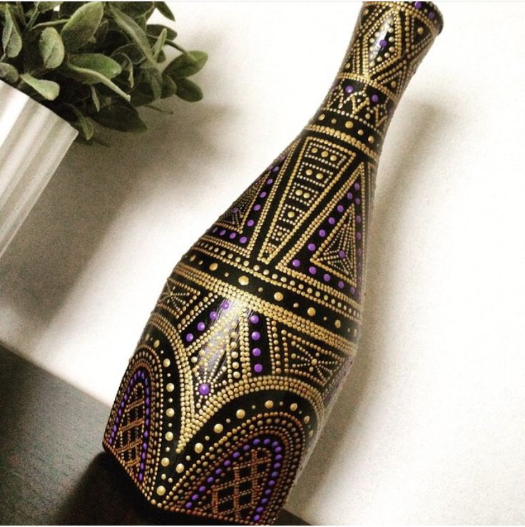 Bottle decorating inspiration. This pattern reminds me of the soundtrack cover art for The Great Gatsby movie.