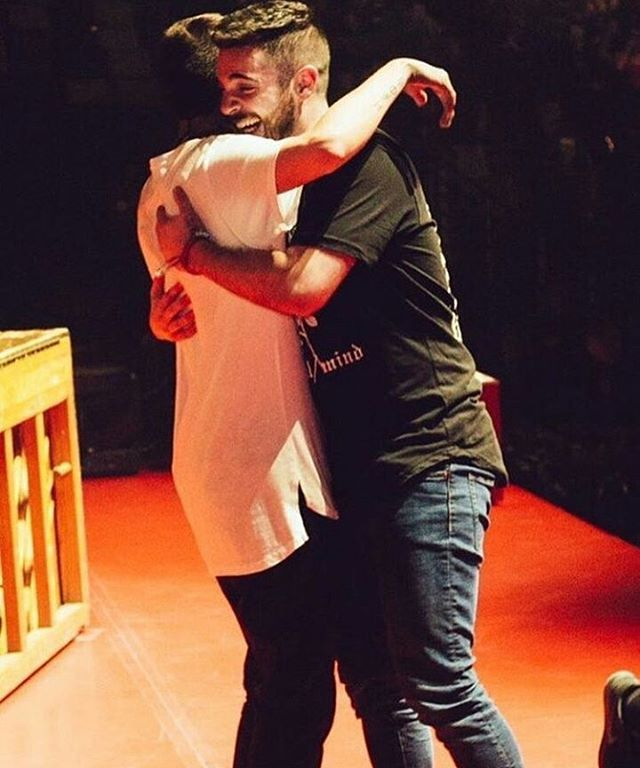 i'm gonna cry this is so so beautiful twenty one pilots // tyler joseph // jon bellion