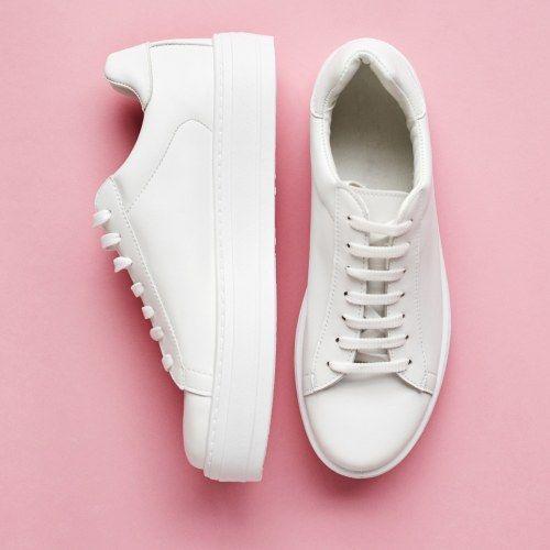 Weiße Turnschuhe reinigen: Mit diesen 4 genialen Tricks sehen eure Sneaker wieder aus wie neu!
