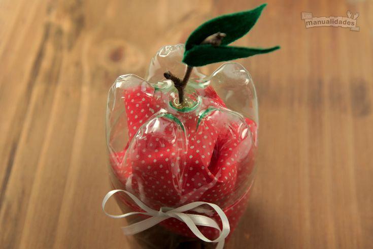 Reciclado de botellas: manzanas portaregalos
