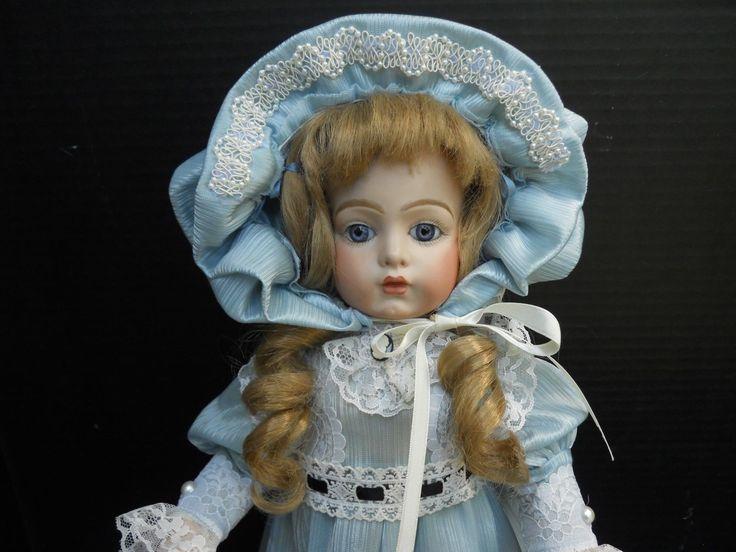 Эта кукла больше похожа на Жюмо, чем Бру одна. Кукла помечена на затылке. (см. фото). Ее тело находится в хорошей форме (за исключением пары вмятин на куклу обратно, что не отнять у себя куклу, и не может быть видно в любом случае. ). | ибее!