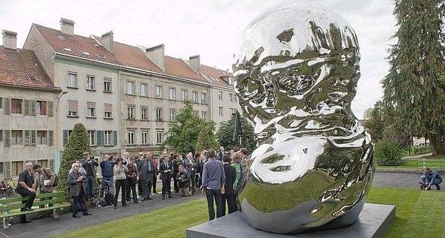 « L'exposition nommée A Contrario présente le travail de l'artiste genevois Christian Gonzenbach, de ces cinq dernières années, au cours des...