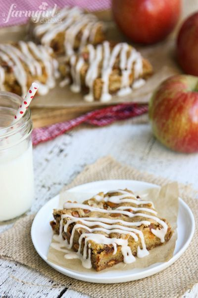 Whole Wheat Apple Bars with Cinnamon Chips and Cardamom Glaze - www.afarmgirlsdabbles.com: Apple Bars, Food Recipes, Brownies Bar, Recipes Muffins Breads, Glaze Recipes, Wheat Apples, Apples Bar, Wheat Tortillas, Cinnamon Chips