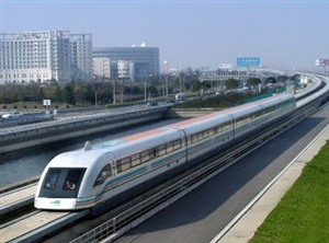 Maglev Train is a very attractive thing in Shanghai.