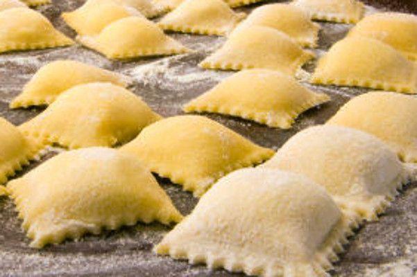Raviolis de Massa Fresca Recheados de Surpresa - http://www.receitasja.com/raviolis-de-massa-fresca-recheados-de-surpresa/