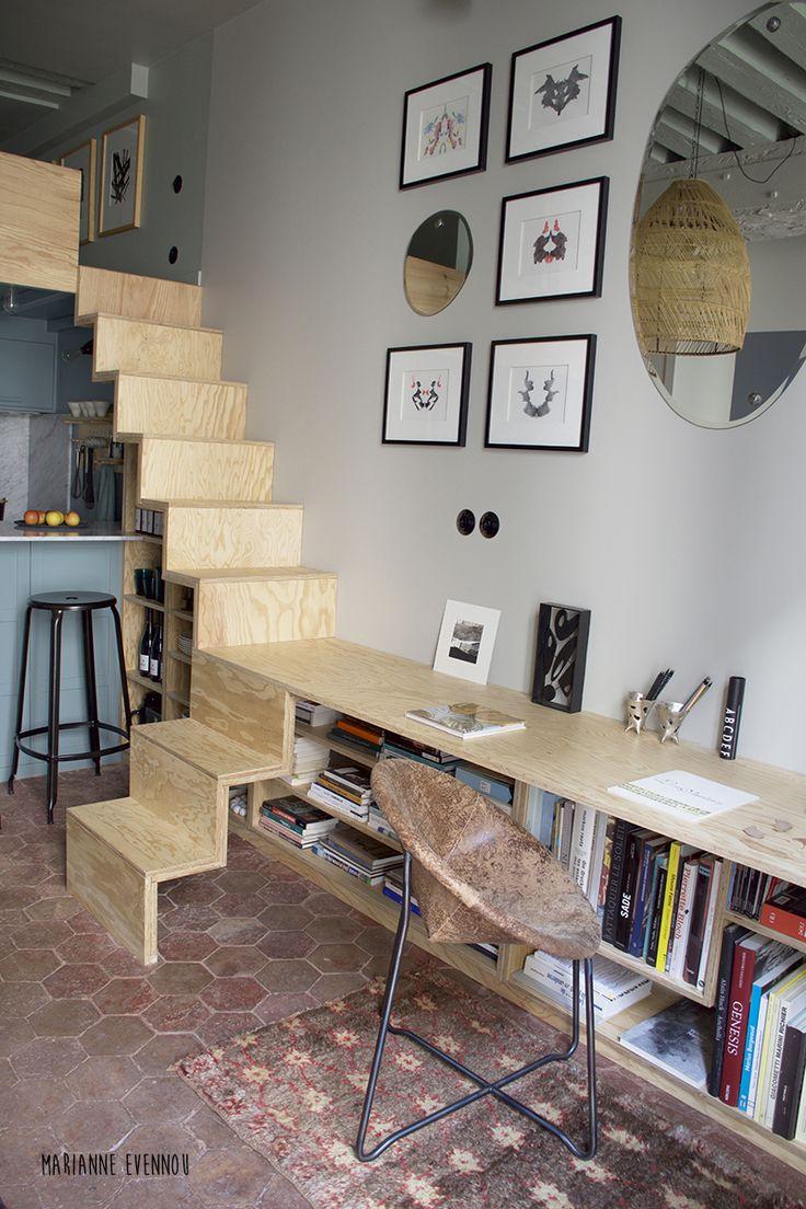 Un mini apartamento en el corazón de París cuyos elementos del XVIII como vigas de madera y baldosas de barro, combinan perfectamente con la...