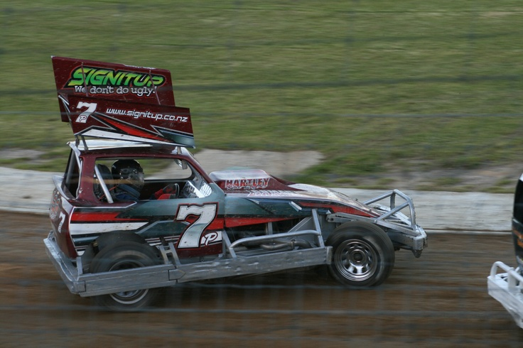 Shane Penn racing at the2011-2012 New Zealand Superstock Champs at Huntly Speedway.He got third at this meeting making him 3nz