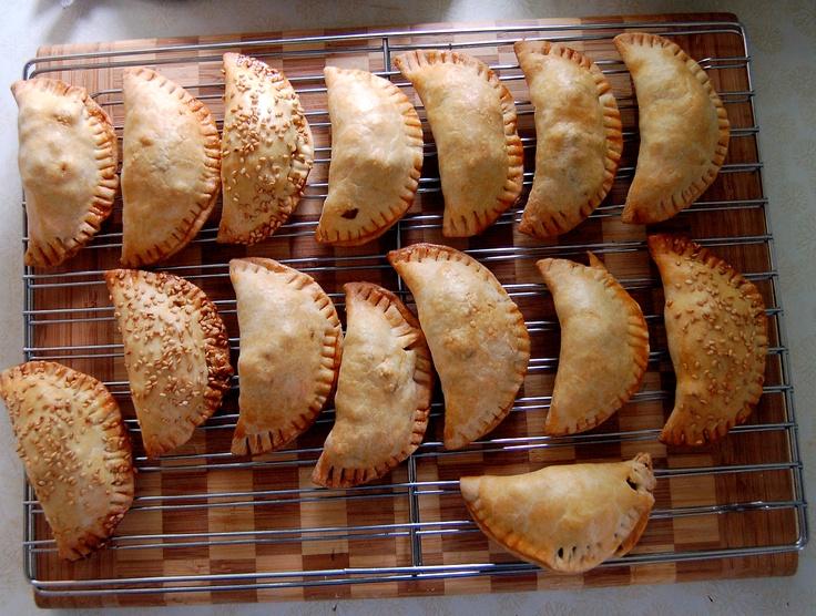 #Empanadas aus #Spanien und Südamerika / Empanadas from Spain and South America [Foto: Le Mai, Lizenz: CC-BY-2.0 (http://creativecommons.org/licenses/by/2.0/)]