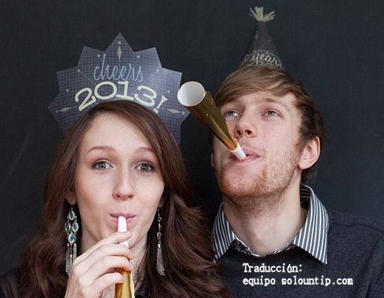 Haz divertidos gorros de papel para el año nuevo