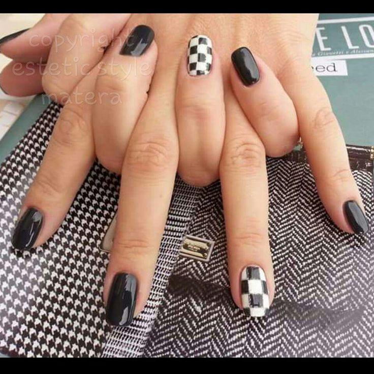 #nero#scacchiera#bianco#matera