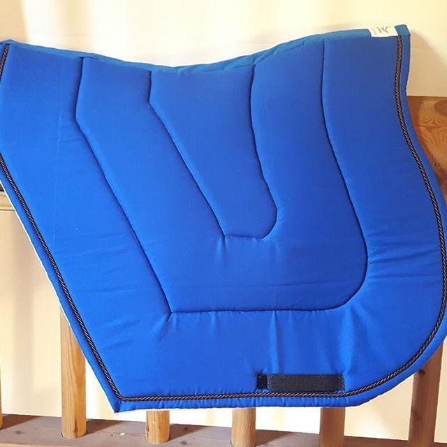 Tapis Auster taille mixte Tissus coton bleu roi  Option sans biais Cordelette…