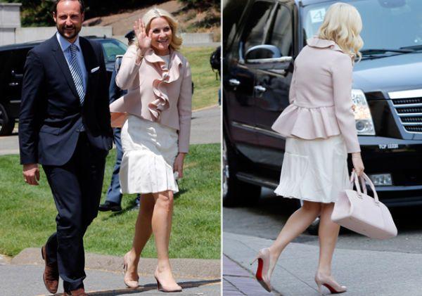 Kronprinsesse Mette-Marit (39) har tatt med flere av sine rådyre designerfavoritter til USA. Den siste dagen valgte hun er par rå nagle-stiletter fra Valentino.