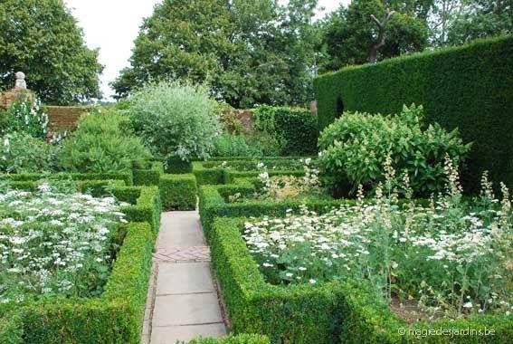 Sissinghurst castle - the famous White Garden