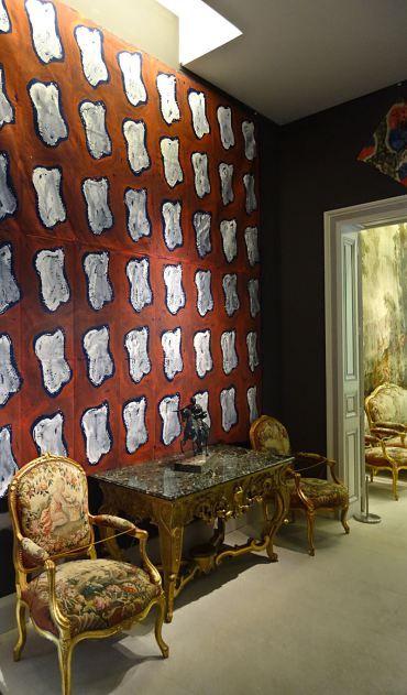 Claude Viallat dans le département des Arts décoratifs du Musée Fabre à Montpellier   En revenant de l'expo !