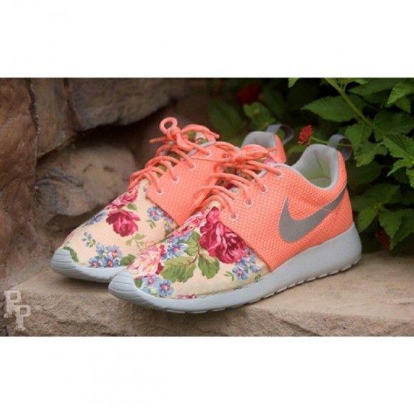buy online 6d456 bdfc4 Nike Roshe Run