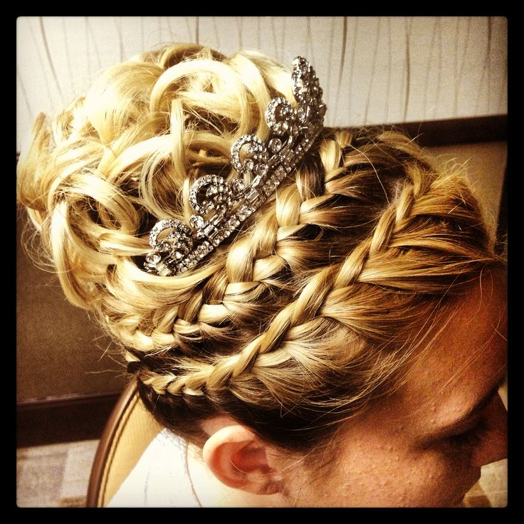 Pleasant 17 Best Ideas About Fairytale Hair On Pinterest Curly Prom Hair Hairstyle Inspiration Daily Dogsangcom