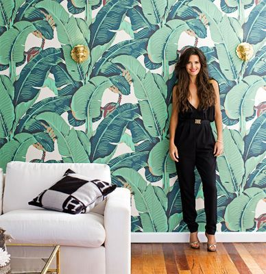 Go bold with a tropical leaf wallpaper. This makes a huge statement and feature wall. Se more ideas on how to put this trend into your home on this website.