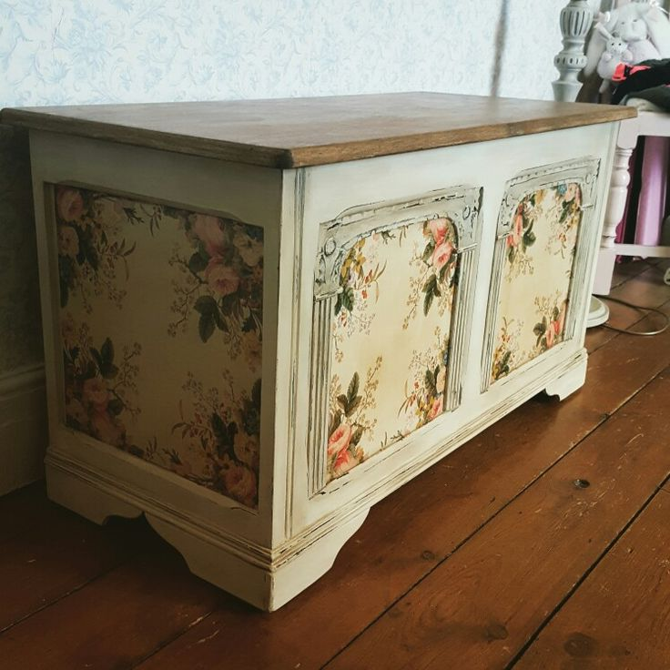My blanket box. By laura milner  Painted in Autentico aged paper then dried brushed in Autentico rose white. Distressed and waxed with clear and dark. Decoupage with paper napkins